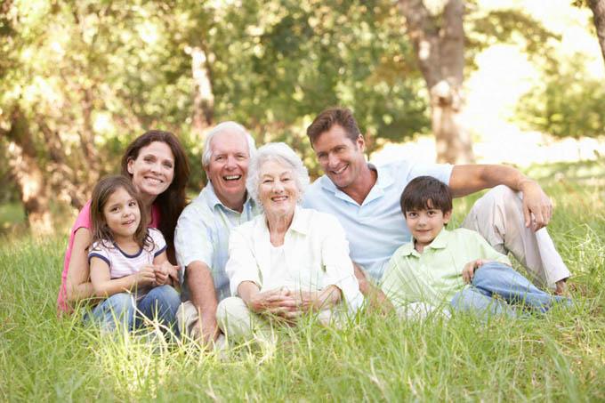 Hijos de padres longevos viven más, según estudio