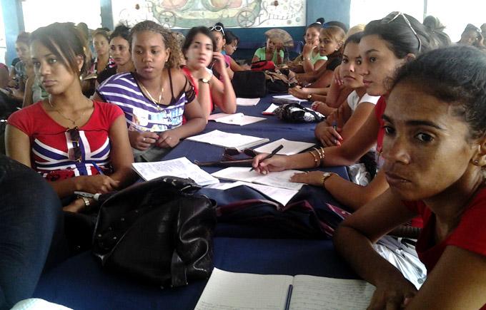 Asumirán maestros granmenses el curso escolar con nuevas expectativas