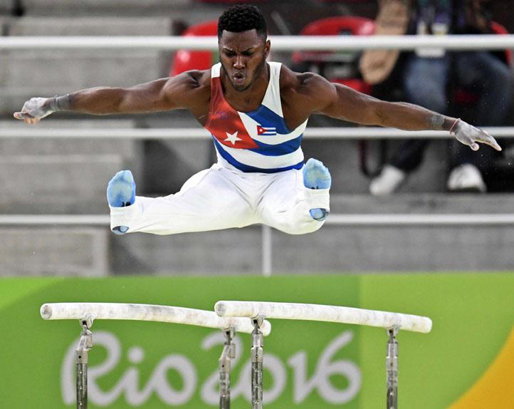 Clasifica Larduet a tres finales de la gimnasia artística