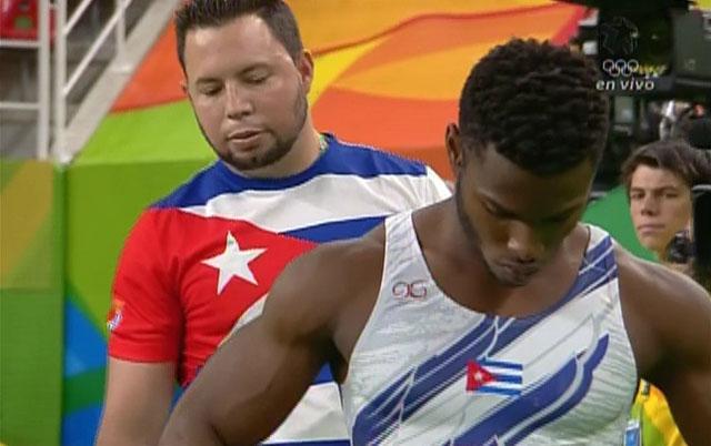 Lesión frena a gimnasta +en evento de máximo acumulador (+videos)