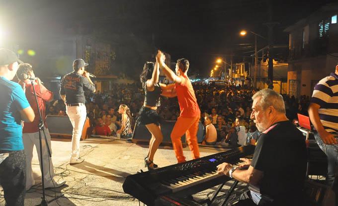 Presenta Original de Manzanillo nuevos temas en Carnaval de Bayamo 2016 (+ fotos y video)