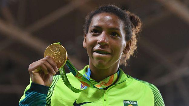 """""""La mona que debía estar enjaulada es hoy campeona olímpica en casa"""", la historia de Rafaela Silva"""