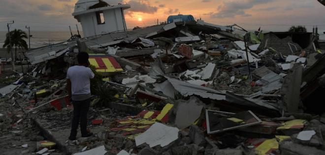 Réplicas de terremoto en Ecuador superan las dos mil 400