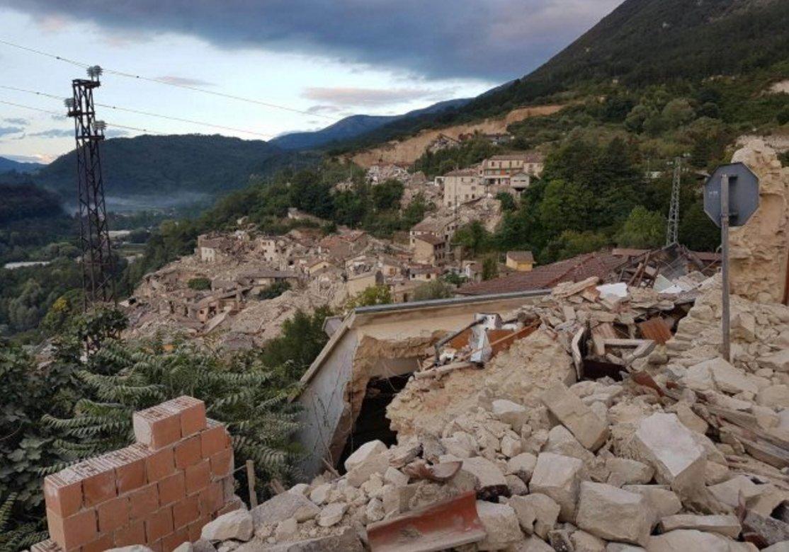 Potente sismo en Italia deja al menos 38 muertos y un centenar de desaparecidos (+ fotos y videos)