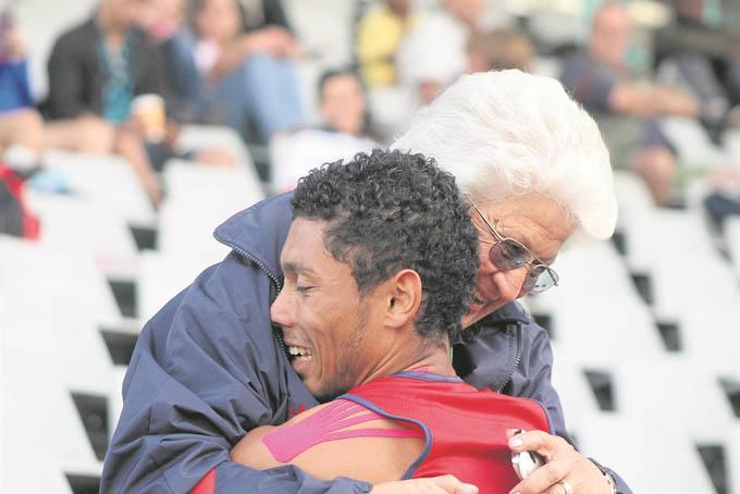 Ans Botha, la abuela que ayudó a destrozar el record del Pato Johnson