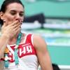 La bicampeona olímpica Yelena Isinbáyeva realiza el último salto con pértiga de su carrera (+video)