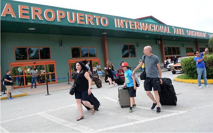 Reinician hoy vuelos desde Estados Unidos a Cuba