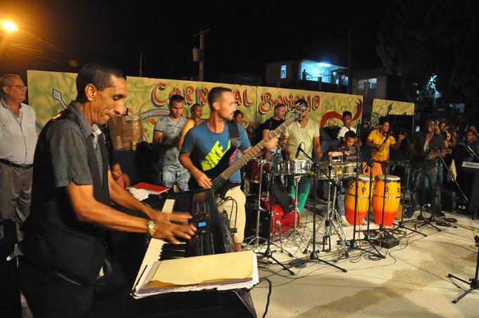Despierta interés del público nueva agrupación musical de Granma (+ fotos y video)