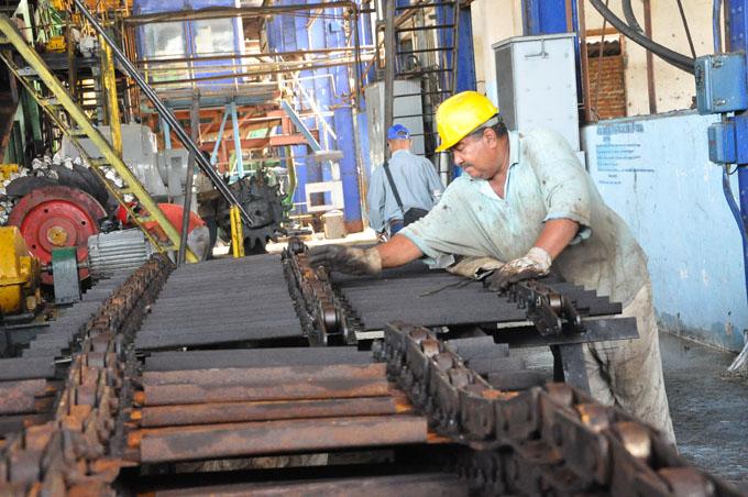 Avanza reparaciones en unidades azucareras de Granma