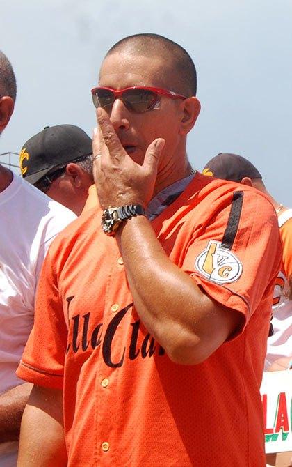 Béisbol cubano: Villa Clara regala triunfo a Pestano en su retiro
