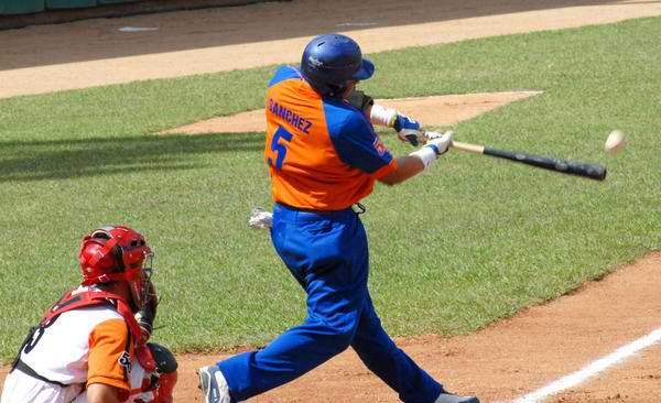 Sancti Spíritus frena ímpeto de Guantánamo en béisbol cubano