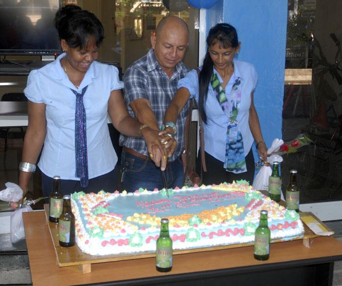Festejan en Granma cumpleaños de los Joven Club de Computación y Electrónica