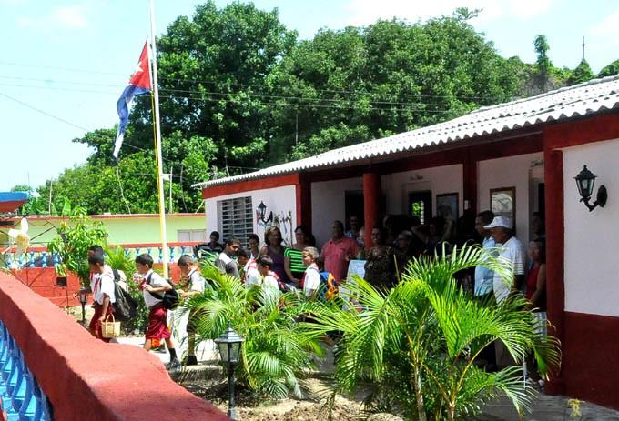 Renovada imagen muestra la escuela César Martí Romero de Campechuela/ Foto Rafael Martínez Arias
