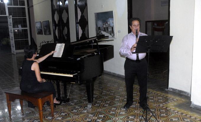 Ofrecen memorable velada dúo D'accord y agrupaciones de Granma