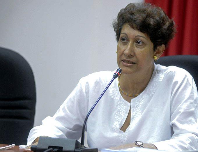 Voluntad política es clave contra el analfabetismo, Ministra cubana