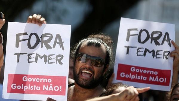 Fuertes protestas persiguen a Temer hasta su casa en Sao Paulo