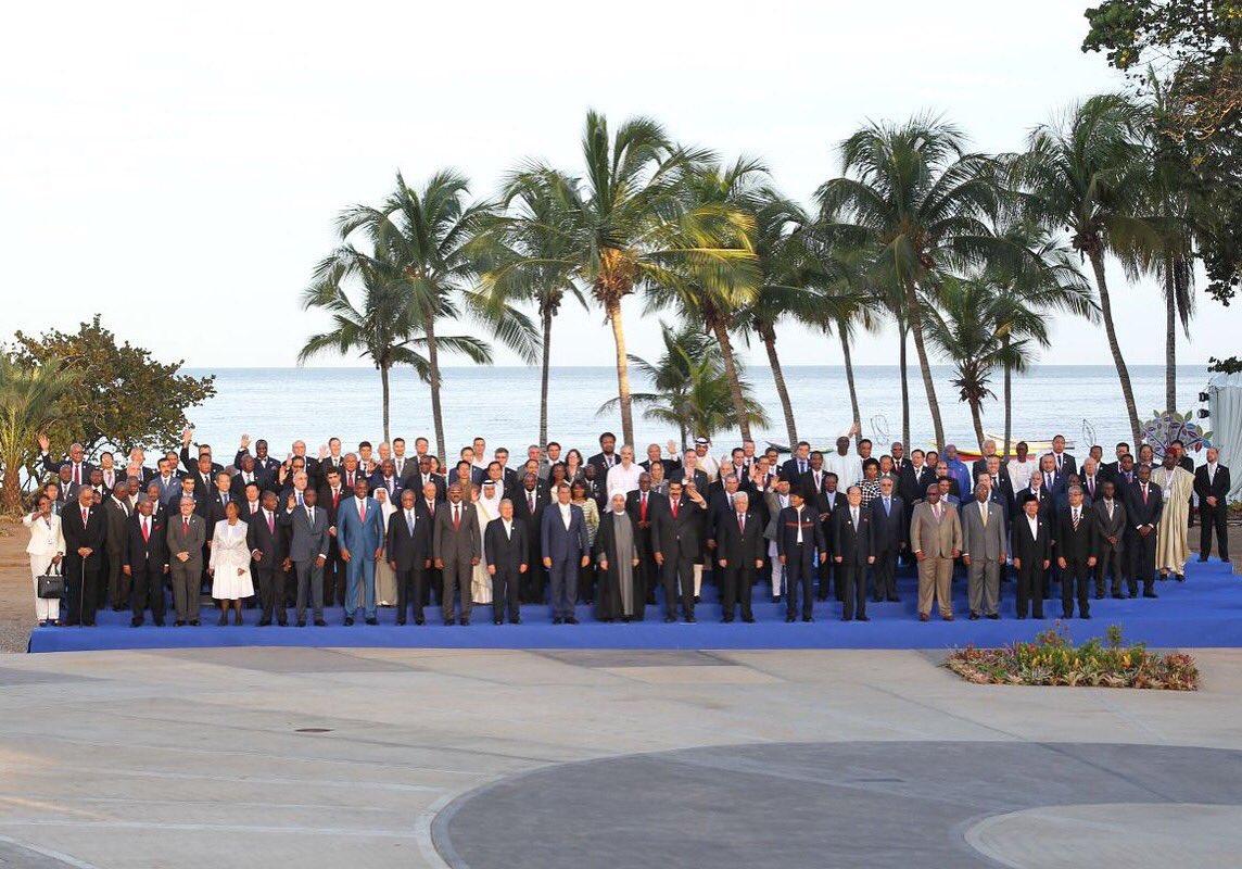 Mandatarios asisten a foto oficial de XVII Cumbre de Mnoal