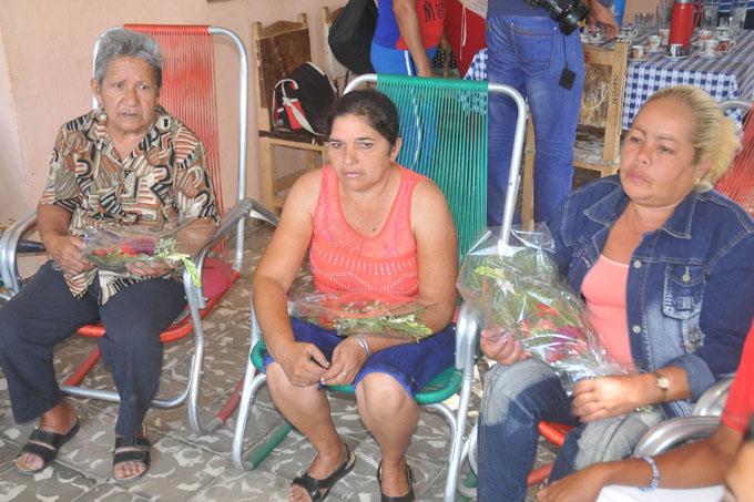 De izquierda a derecha Inés María, Marisbel y María del Carmen / Fotos Luis Carlos Palacios Leyva