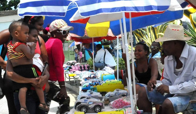 Jóvenes del sector no estatal en Granma