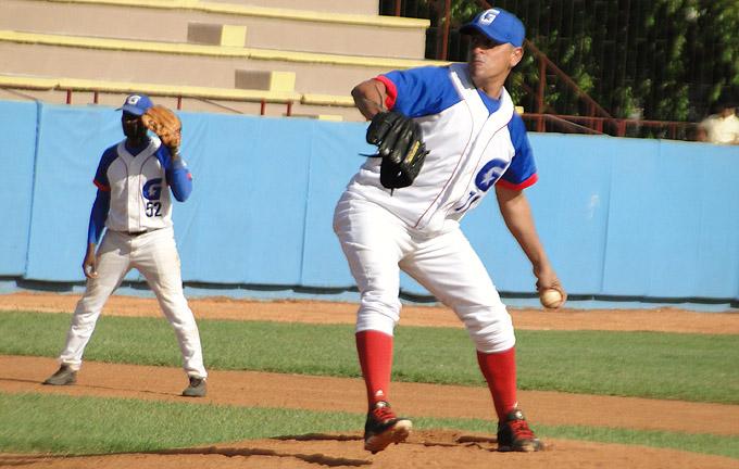 Los Alazanes ascienden al tercer lugar en la temporada beisbolera cubana