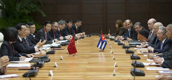 Li Keqiang y Raúl Castro 3