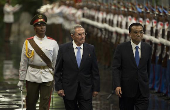 Li Keqiang y Raúl Castro 5