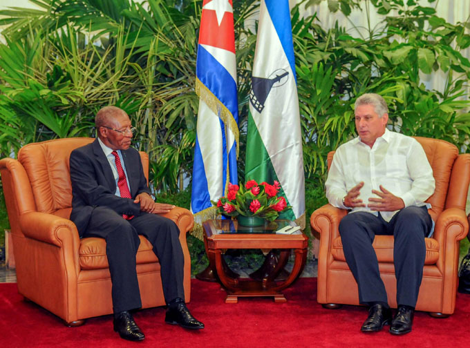Díaz-Canel recibe a Primer Ministro de Lesoto