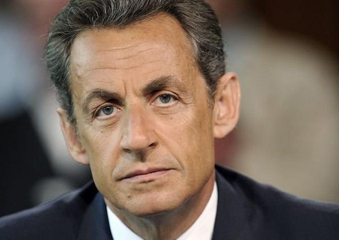Fiscalía de París pide juicio contra expresidente Nicolás Sarkozy
