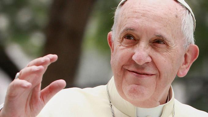 Papa Francisco inicia gira de tres días por Georgia y Azerbaiyán