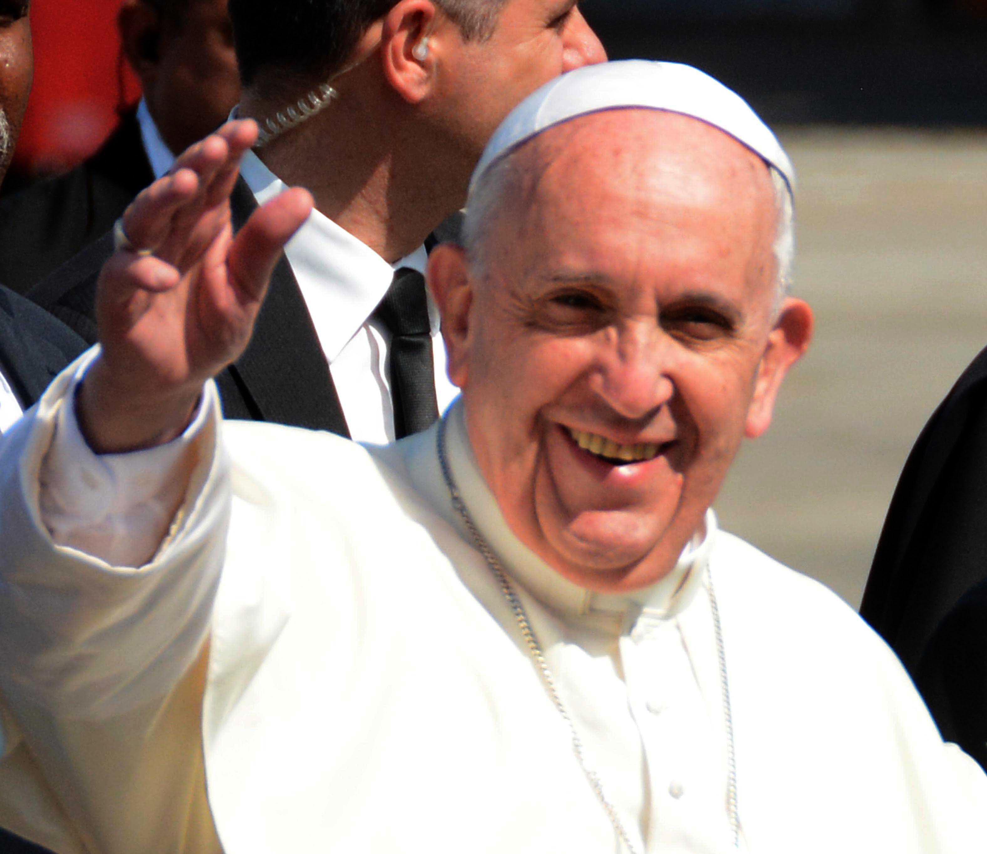 Papa Francisco visitará Colombia a comienzos de 2017, anunció Santos
