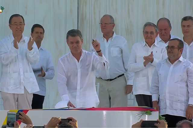 Asiste Raúl a ceremonia de firma de acuerdo de paz colombiana