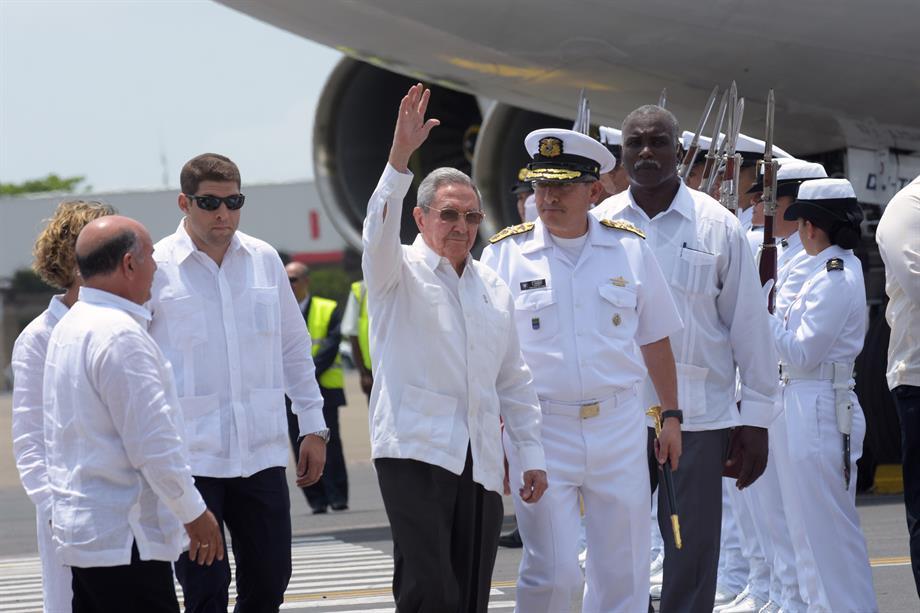 Raúl Castro Ruz, llegó a Colombia para Acuerdos de Paz