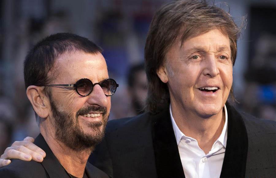 Paul McCartney y Ringo Starr se reencontraron para el estreno de la película de The Beatles