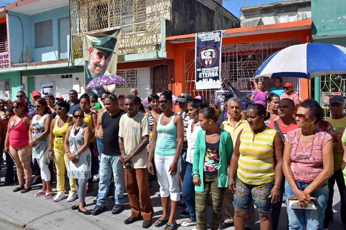 Homenaje de los CDR a los oficios del barrio en Granma
