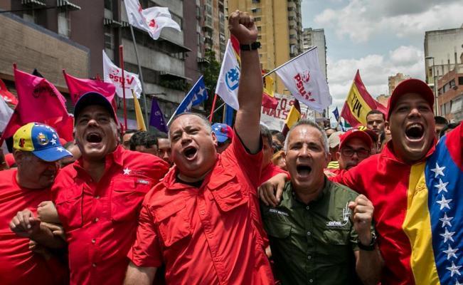 Venezuela marcha en favor de la paz y el Gobierno