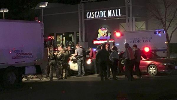 Cuatro muertos por tiroteo en centro comercial de Estados Unidos (+ fotos y videos)