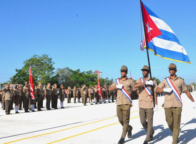Celebran aniversario 50 de las Escuelas Militares Camilo Cienfuegos