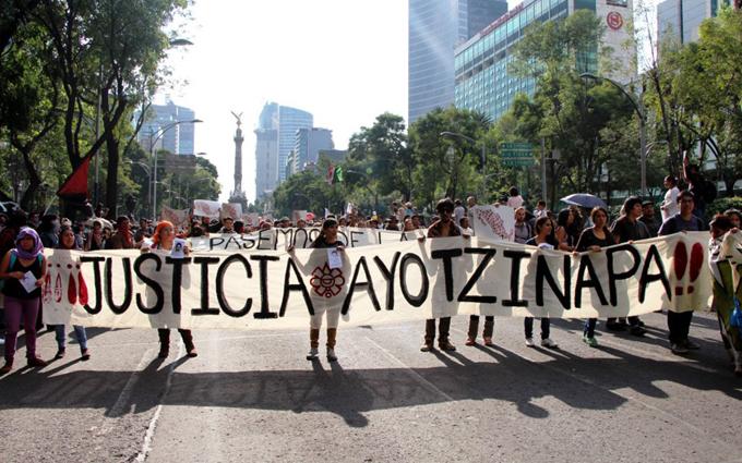 Llaman padres de 43 normalistas de Ayotzinapa a actos conmemorativos