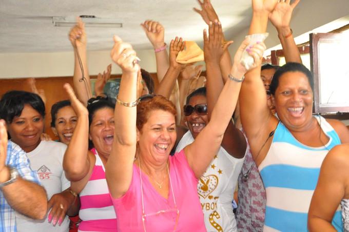 Júbilo en Granma por el aniversario 56 de los Comités de Defensa de la Revolución FOTO/ Rafael Martínez Arias