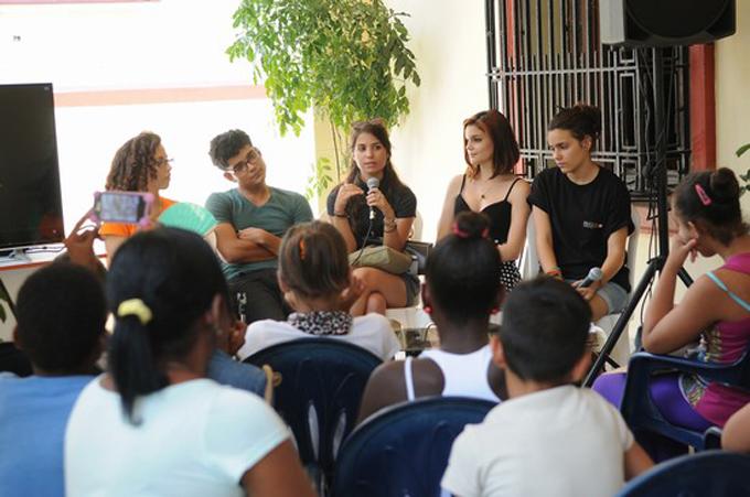 """En """"Dialogando sobre jóvenes"""", Cuba y los derechos de los niños"""