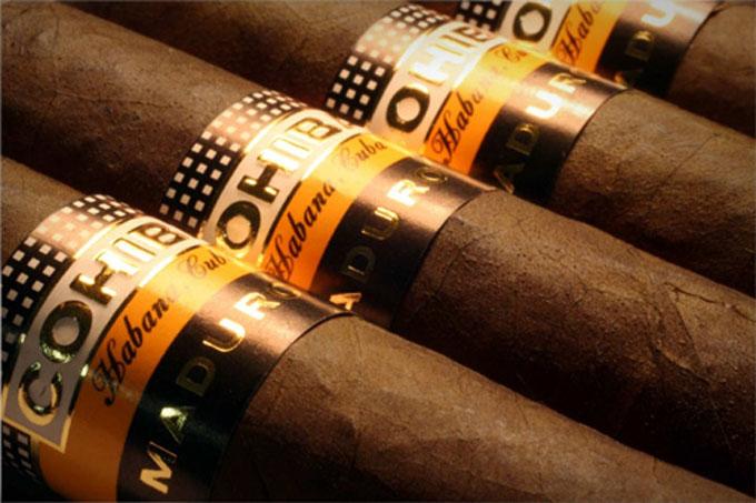 Rusia respira aroma de tabaco cubano en noche de Habanos Day