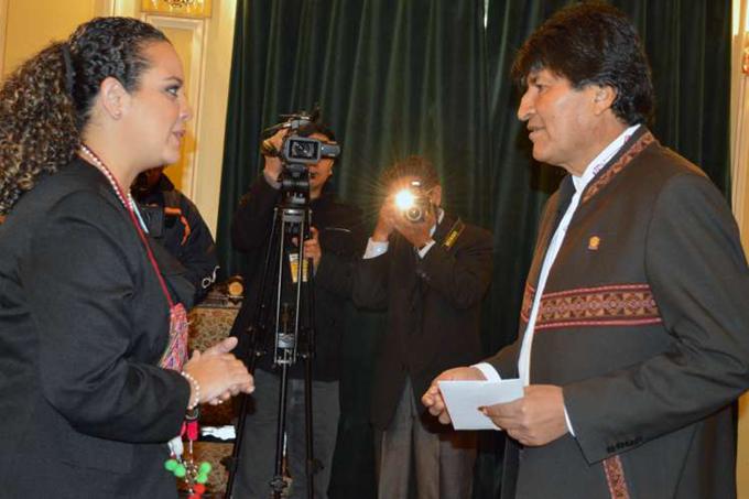 Evo recibe cartas credenciales de nueva embajadora salvadoreña