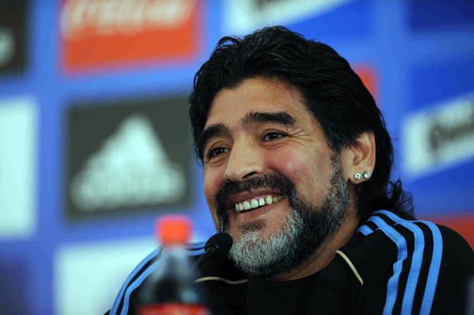 Maradona jugará Partido por la Paz promovido por el Papa Francisco
