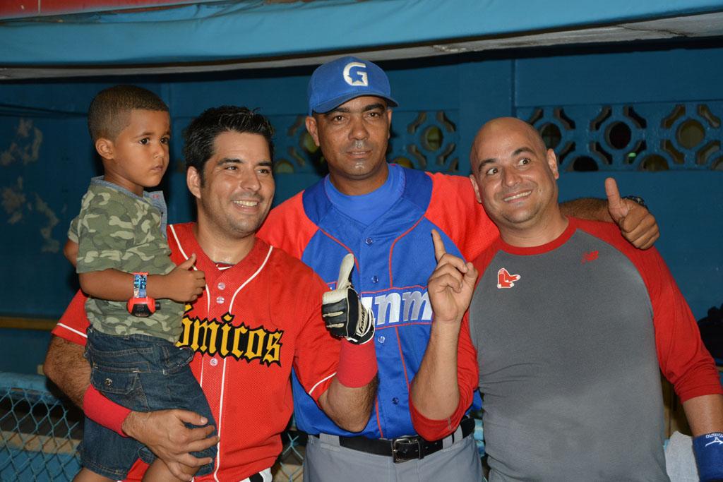Alfredo Despaigne (hijo), Luis Silva (Pánfilo), Ciro Silvino y Facundo (Andy Vázquez)