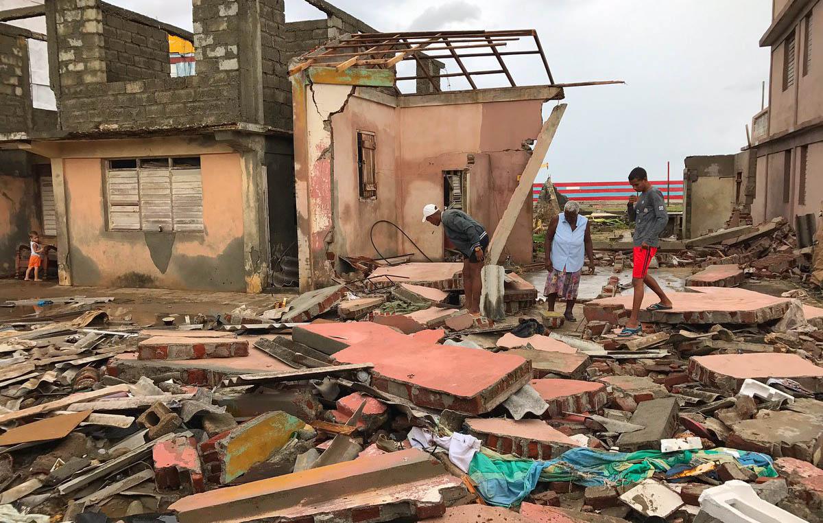 Cuba hasta ahora sin daños humanos tras paso de Matthew (+ videos)