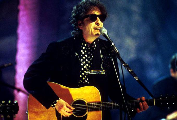 Reconocen a Bob Dylan con Premio Nobel de Literatura 2016
