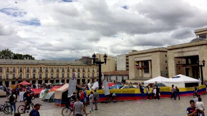 Instalan segundo campamento por la paz en Colombia