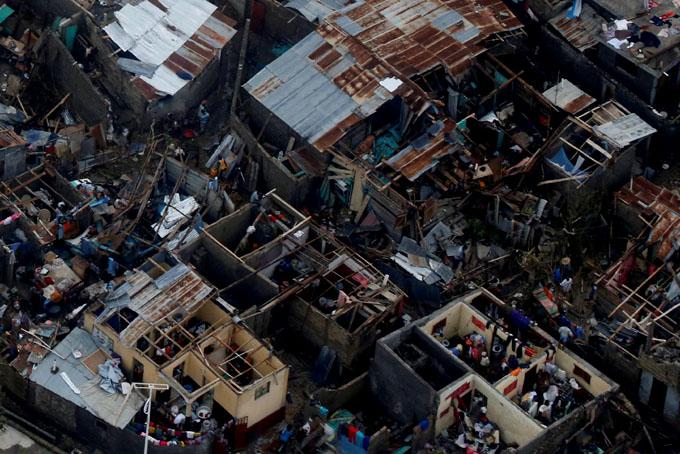 Más de 800 muertos en Haití tras el paso del huracán Matthew