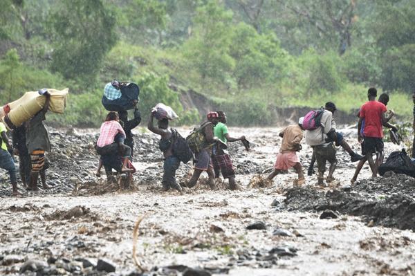Aumenta a 478 la cifra de muertos en Haití por el paso del 'Matthew'