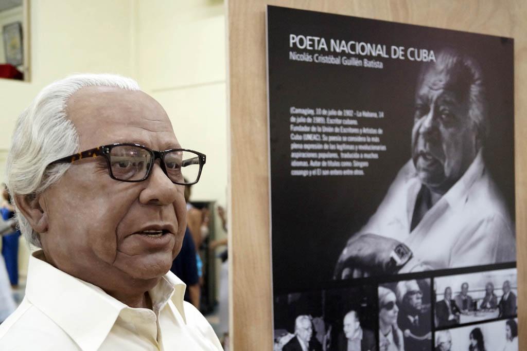 Homenaje a Nicolás Guillén en Museo de cera de Bayamo